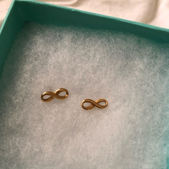 1c7b40f11d0ac 18k Gold Infinity earrings Tiffany & Co.